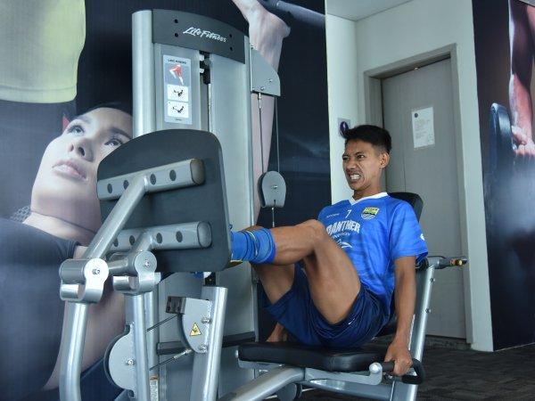 Beckham Putra Nugraha ketika berlatih di gym
