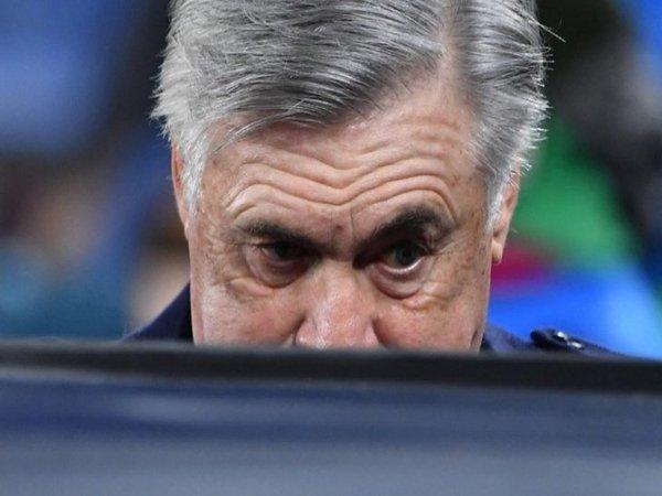 Carlo Ancelotti jagokan AC Milan untuk finish lebih baik ketimbang Juventus di Serie A musim ini / via Getty Images