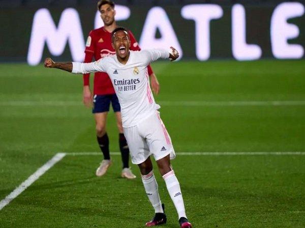 Bek Real Madrid, Eder Militao. (Images: Getty)