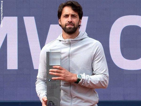 Nikoloz Basilashvili naik podium juara Munich Open 2021