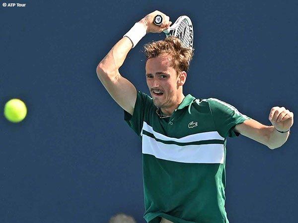 Daniil Medvedev akan lakoni turnamen clay-court pertama musim 2021 di Madrid Open