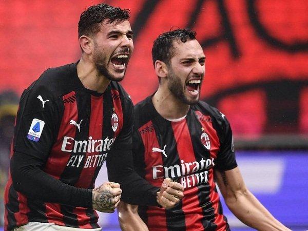 Duo Milan Theo Hernandez dan Hakan Calhanoglu