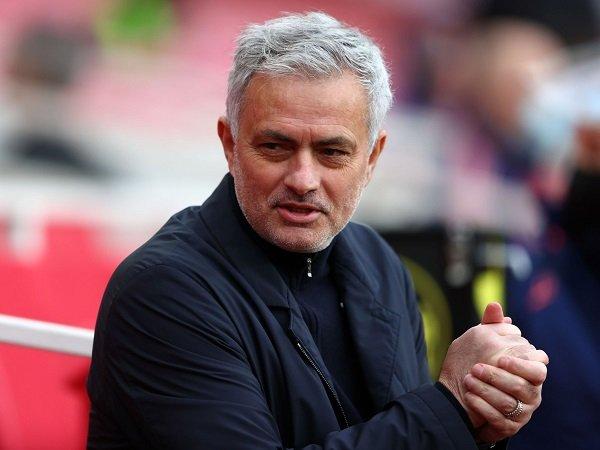 AS Roma resmi tunjuk Jose Mourinho sebagai manajer baru.