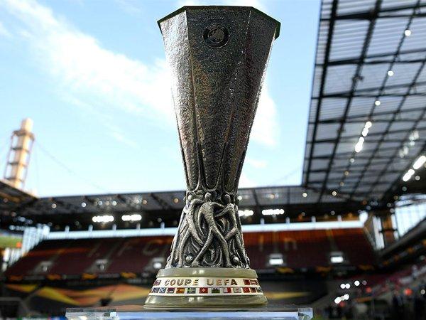 Trofi Liga Europa.