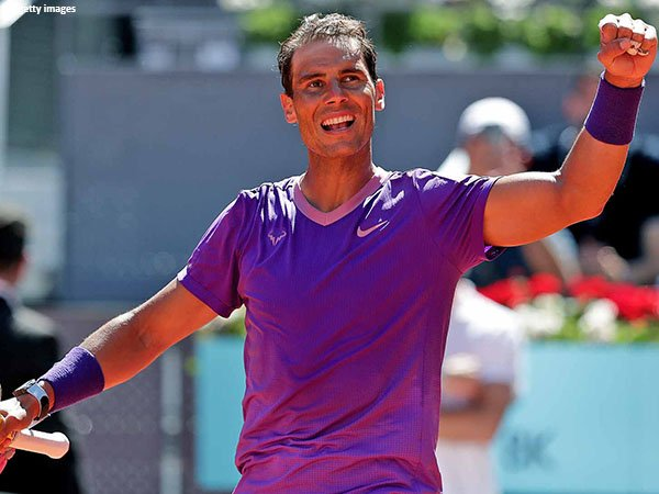 Rafael Nadal mendapatkan penghargaan Laureus untuk kali kedua