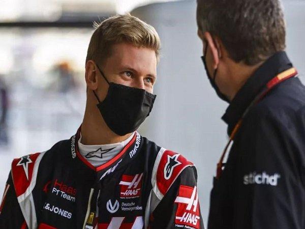 Pebalap Tim Haas, Mick Schumacher.