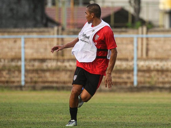 Aldino Herdianto resmi gabung Semen Padang FC