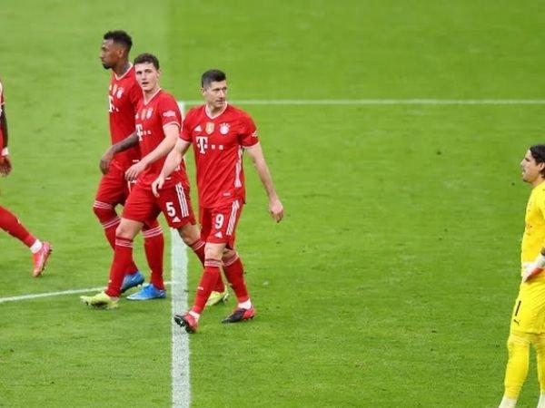 Lewandowski sukses mencatatkan hattrick yang mengantarkan Bayern Munich meraih kemenangan atas Gladbach dengan skor 6-0