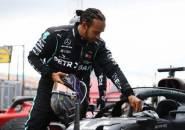 Lewis Hamilton Senang Tak Hanya Dapat Tekanan dari Red Bull