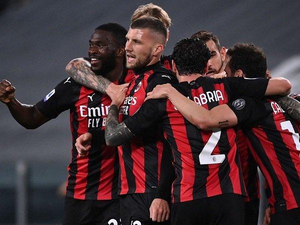 AC Milan taklukkan Juventus dengan skor 3-0.