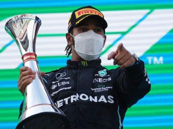 Kemenangan Lewis Hamilton Buktikan Dirinya Sulit Ditandingi