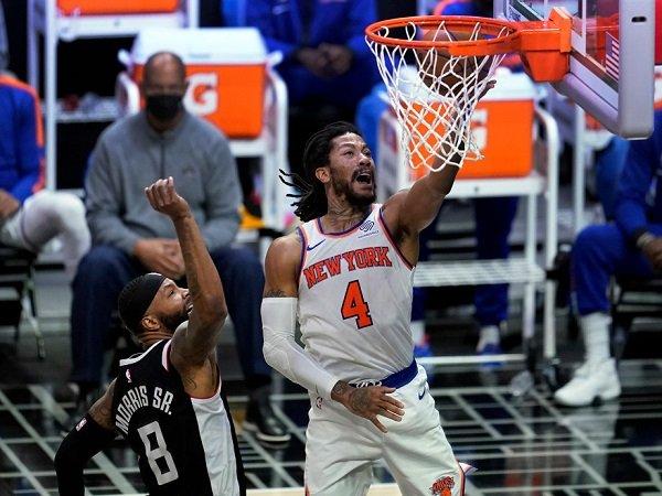 New York Knicks buat Los Angeles Clippers malu di kandangnya sendiri.