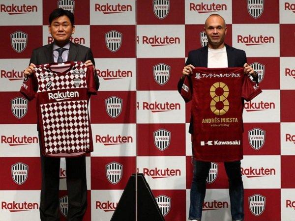 Andres Iniesta tanda tangani pembaruan kontrak bersama Vissel Kobe.