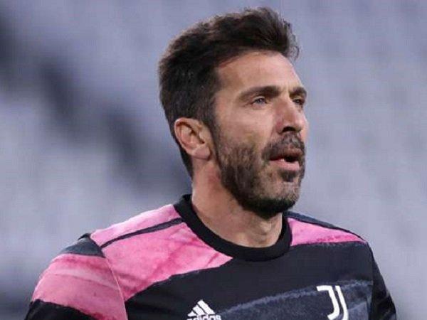 Barcelona dikabarkan tertarik untuk menampung Gianluigi Buffon (Images: Getty)