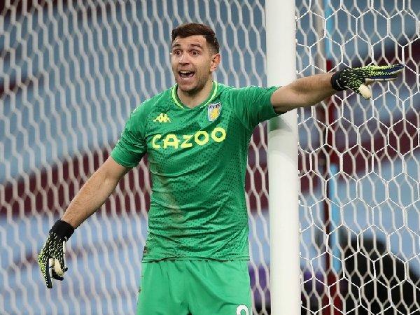 Emiliano Martinez tampil mengesankan bersama Aston Villa