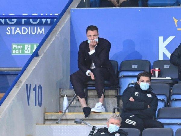 Bek Leicester Jonny Evans mengalami cedera tumit