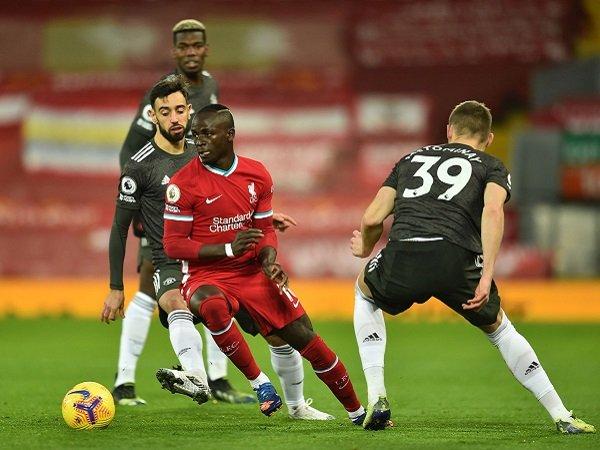 Manchester United jamu Liverpool dalam laga keempatnya dalam waktu sepekan.