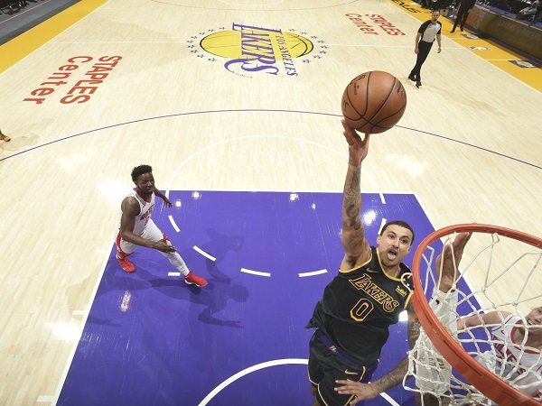 Los Angeles Lakers tundukkan perlawanan Houston Rockets.