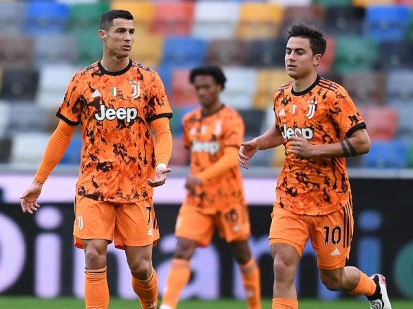 Juventus tangguhkan gaji para pemain karena pandemi.