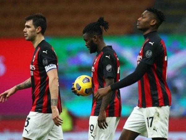 Milan siap korbankan Alessio Romagnoli dan Rafael Leao
