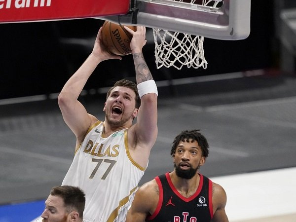 Luka Doncic senang bukan main bisa bawa Dallas Mavericks tembus babak playoff.