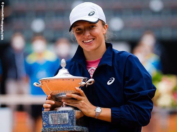 Iga Swiatek menang telak di final Italian Open 2021