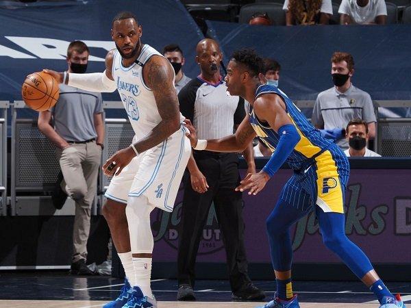 Los Angeles Lakers butuh bantuan dewi fortuna untuk terhindar dari play-in tournament.
