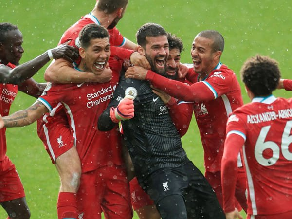 Alisson Ungkap Pesan Emosional Setelah Cetak Gol Bagi Liverpool