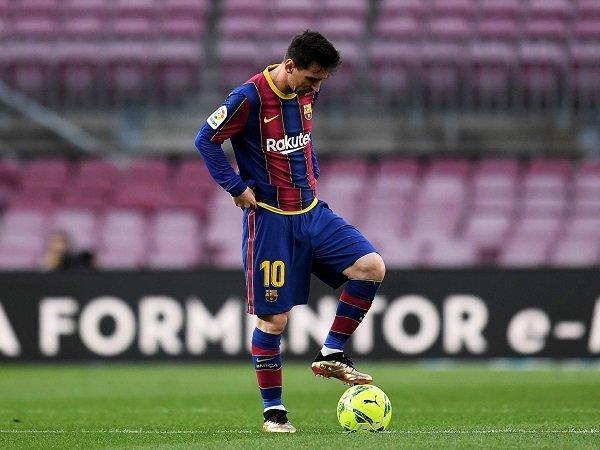 Jordi Alba berharap Lionel Messi tak tinggalkan Barcelona akhir musim ini.