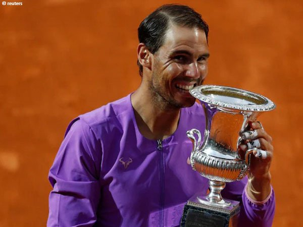 Rafael Nadal berjuang keras demi mengklaim gelar Italian Open untuk kali kesepuluh dalam kariernya
