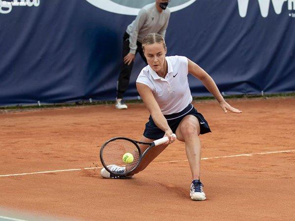 Anna Karolina Schmiedlova melaju ke babak kedua di Parma musim 2021