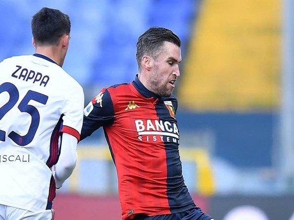 Genoa dilaporkan bakal mempermanenkan status Kevin Strootman pada bursa transfer musim panas nanti / via EPA