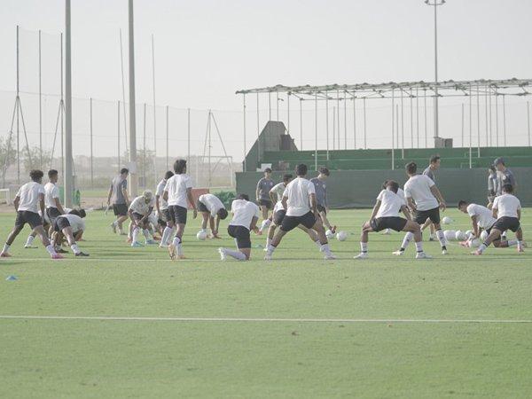 Latihan skuat timnas Indonesia di Dubai, UEA
