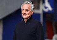 Mourinho Hubungi Bintang Manchester United Sesaat Setelah Dipecat Tottenham