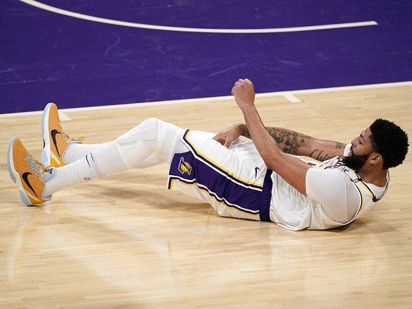 Anthony Davis diragukan bisa tampil di game kelima melawan Phoenix Suns.