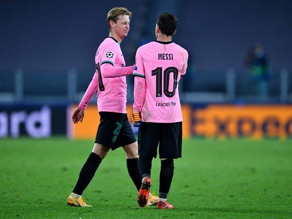 Frenkie de Jong masih berharap Lionel Messi bertahan.