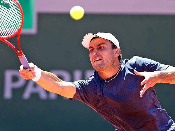 Aslan Karatsev melaju ke babak kedua French Open 2021