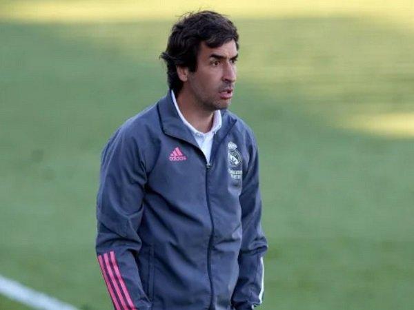 Luis Figo dukung Raul Gonzalez jadi pelatih Real Madrid. (Images: Getty)