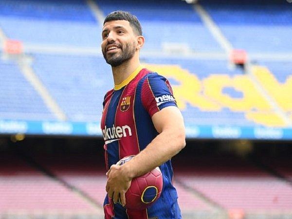 Sergio Aguero saat diperkenalkan sebagai pemain Barcelona. (Images: Getty)