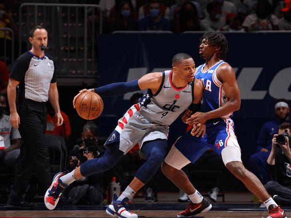 Washington Wizards perpanjang nafas di babak playoff usai menangi game 4.