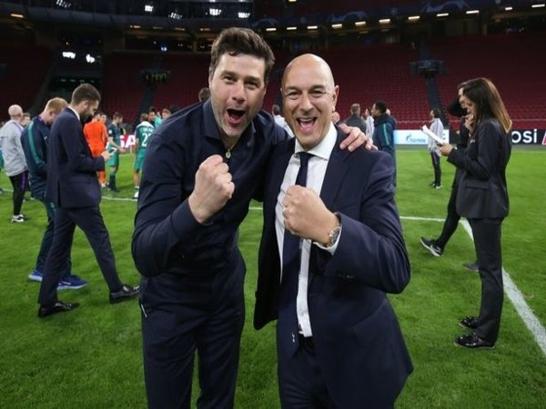 Daniel Levy dilaporkan akan berjuang sekuat tenaga untuk memulangkan Mauricio Pochettino ke Tottenham Hotspur / via Getty Images