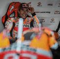 Lorenzo Sebut Marc Marquez Kelihatan Tak Nyaman dengan Motor Honda