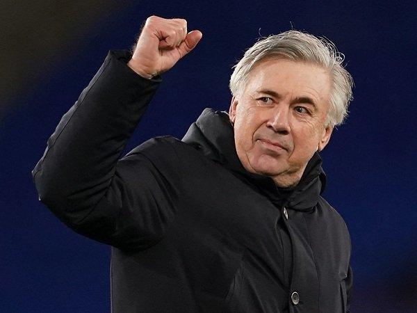 Carlo Ancelotti mengaku dihadapkan oleh kesempatan tak terduga.