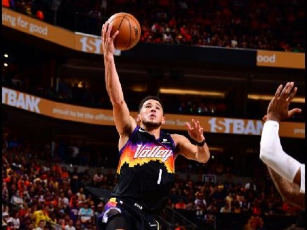 Point guard andalan Phoenix Suns, Devin Booker. (Images: Getty)