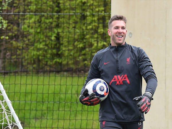 Adrian Akan Perpanjang Kontraknya dengan Liverpool