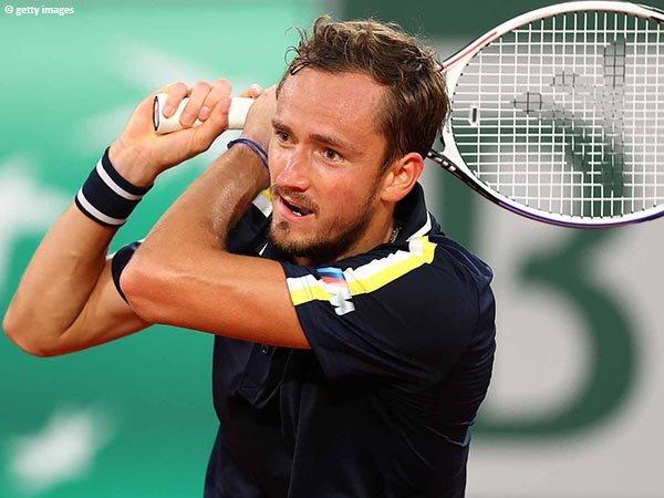 Daniil Medvedev tembus babak ketiga French Open 2021