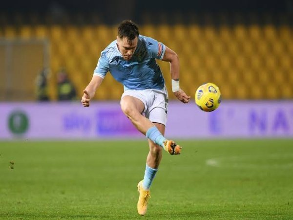Lazio akan melepas Patric