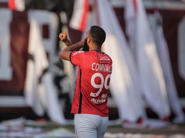 Mantan penyerang Bali United, Sylvano Comvalius memutuskan gantung sepatu
