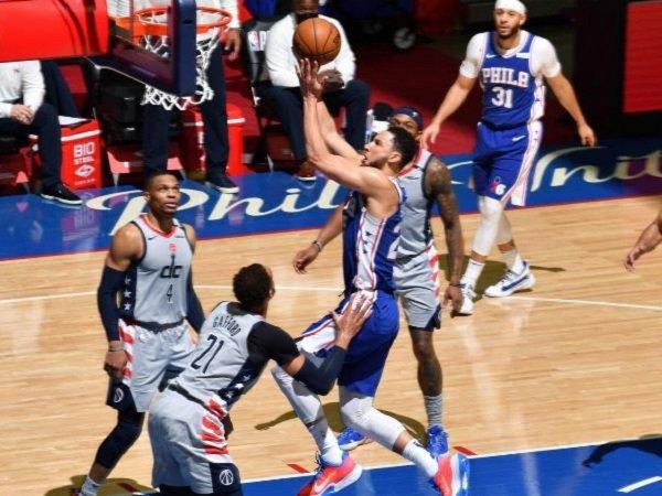 Pemain Philadelphia 76ers, Ben Simmons saat melawan Washington Wizards. (Images: Getty)