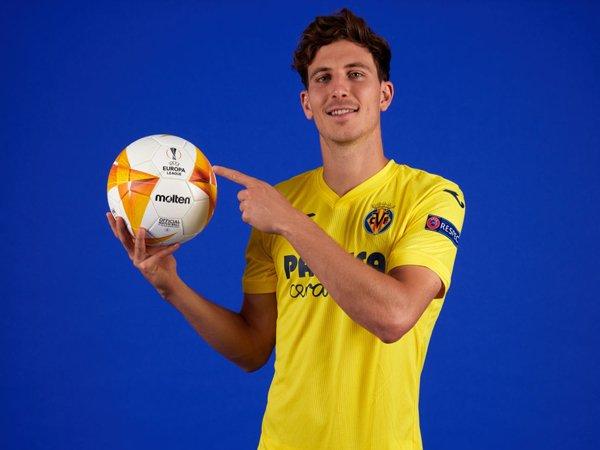 Bek Villarreal, Pau Torres.